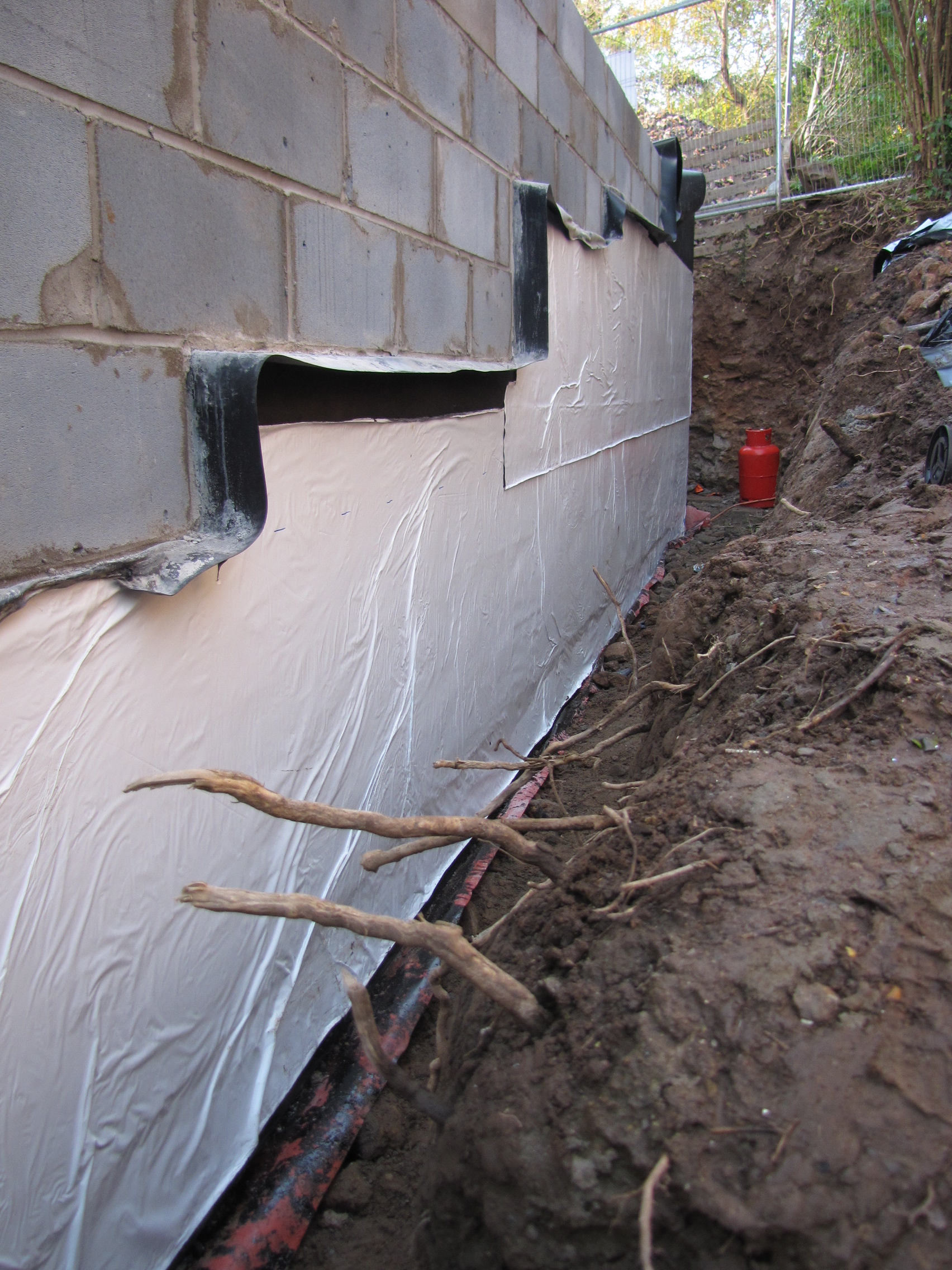 Week 12 tanking and below ground insulation my fourwalls for Stone wall insulation